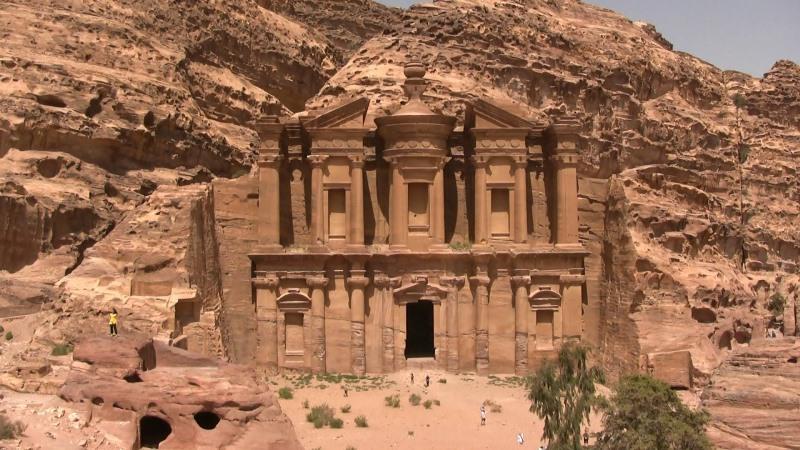 Petra: ciudad tallada en la roca